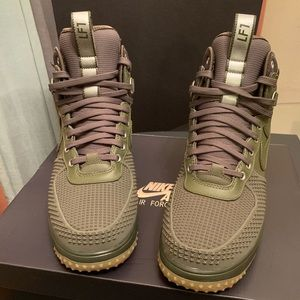 BRAND NEW!! Nike Lunar Boot Medium Olive size 11